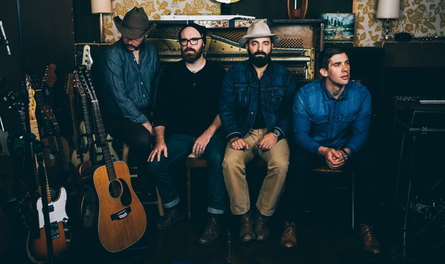 Drew Holcomb and The Neighbors<br>The Souvenir Tour